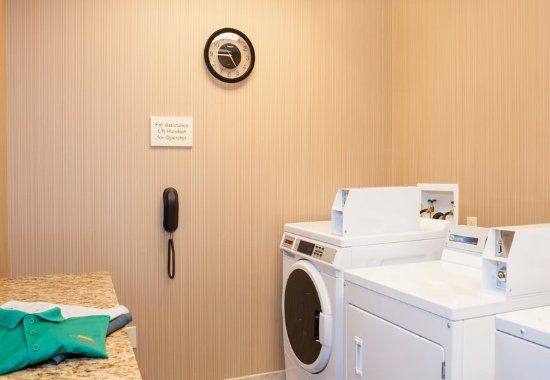 Peoria, IL: Guest Laundry Facilities