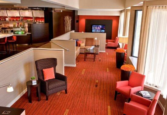 Wayne, Pensilvanya: Lobby - Seating Area