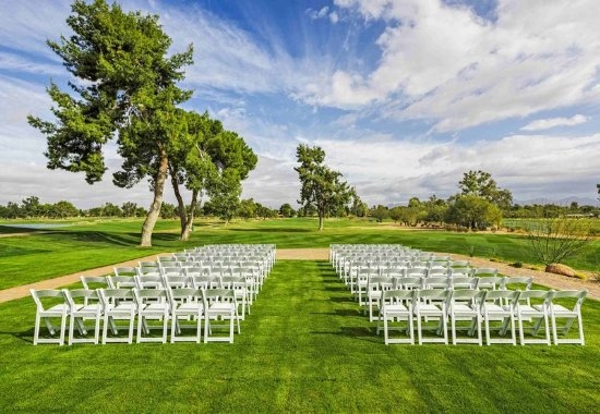 JW Marriott Scottsdale Camelback Inn Resort & Spa: Lakeview Ballroom Ceremony Site