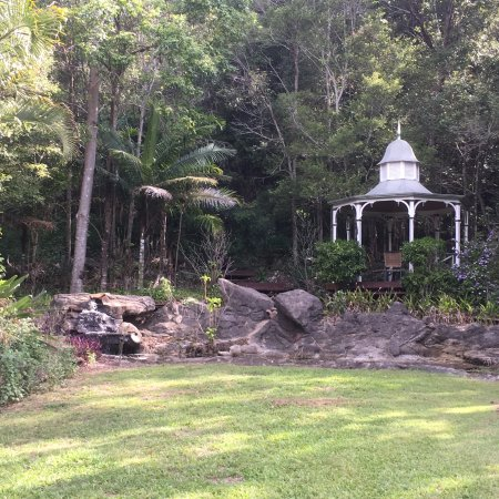Cooroy, Australien: Gazebo area to while away the hours in beautiful solitude