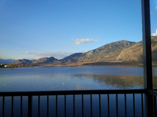 Coast Osoyoos Beach Hotel : View from my room November.