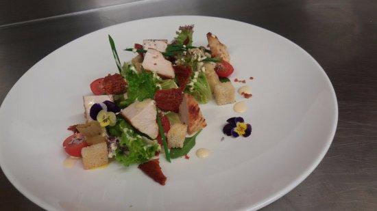 Saint Arnaud, New Zealand: Grilled chicken salad starter, on the dinner menu!