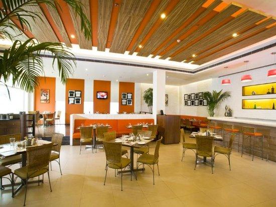 Lemon Tree Hotel, Ahmedabad: Citrus Cafe