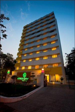 Lemon Tree Hotel, Ahmedabad: Hotel Facade