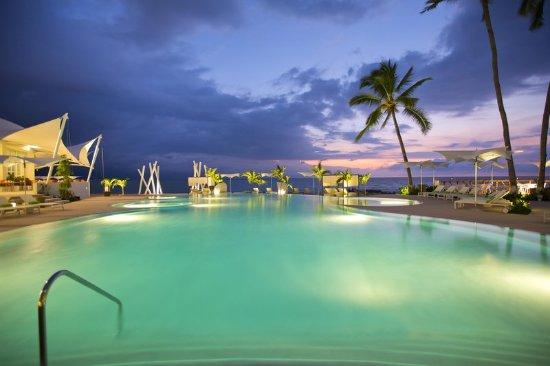 Hilton Puerto Vallarta Resort: Courtyard Pool
