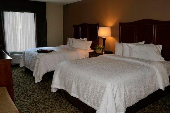New Hartford, NY: Double Bed