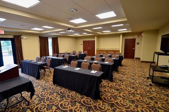 Νιου Χάρτφορντ, Νέα Υόρκη: Remake Meeting Room
