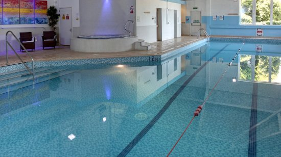 Holiday inn aylesbury hotel reviews photos price comparison tripadvisor for Swimming pools buckinghamshire