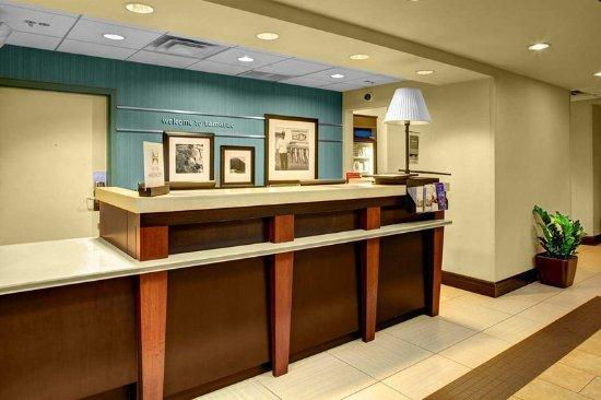 Tamarac, FL: Front Desk
