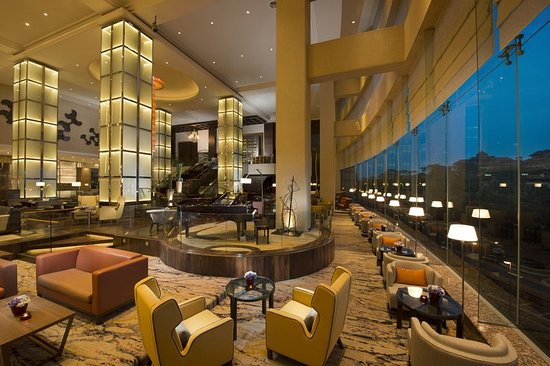 Hilton Kuala Lumpur: The Lounge Window Seats