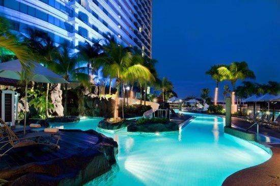 Hilton Kuala Lumpur: Outdoor Pool
