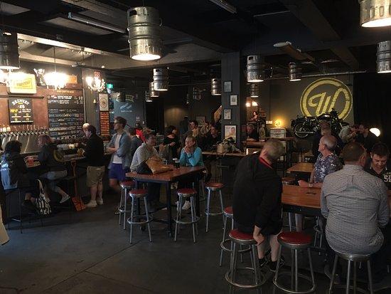 Annandale, Austrália: The main bar area