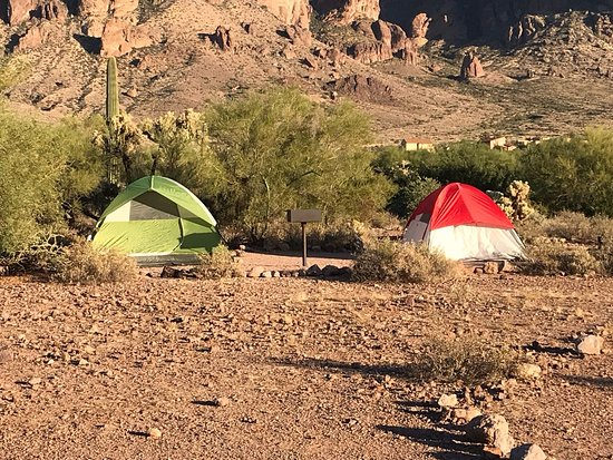 Lost Dutchman State Park: Campsites with a beautiful view of Superstition mountain.