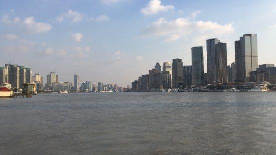 Riverside Promenade (Bingjiang Da Dao): 滨江大道看黄浦江