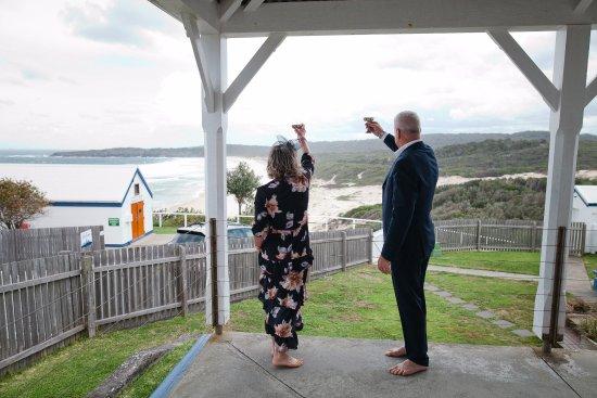Seal Rocks, ออสเตรเลีย: Il saluto in onore all'oceano e della natura