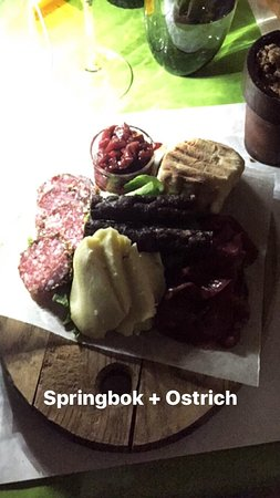 Nguni: Really nice place, super waiters and unbelievable delicious food. I had the meat plate as starte