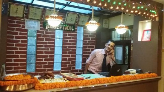 Festoon Hotel: Reception