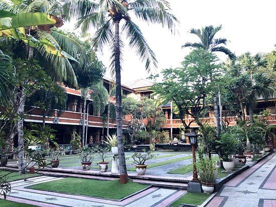 Wina Holiday Villa Hotel: photo1.jpg