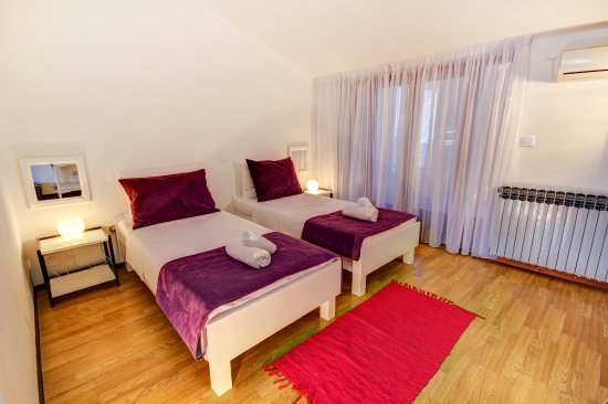 Pula City Point Rooms: family room