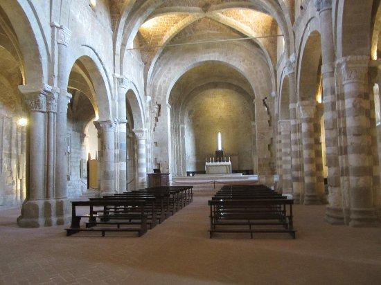 Innenansicht Duomo di Sovana - Pietro e Paolo