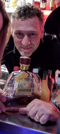 La Transat: The excellent and welcoming barman who recommended the Zacapa XO rum - THANKS!
