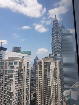 Comfortable and well furnished Apartment with an Awesome View!