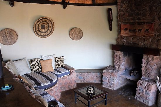 Victoria Falls, Zambia: Fireplace in Honeymoon suite