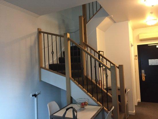 อัลโต โฮเทล ออน เบอรค์: Staircase