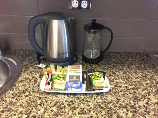 อัลโต โฮเทล ออน เบอรค์: Nice biscuit with teabags and coffee