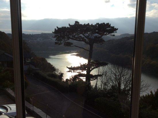 Commonwood Manor: Romantic view...