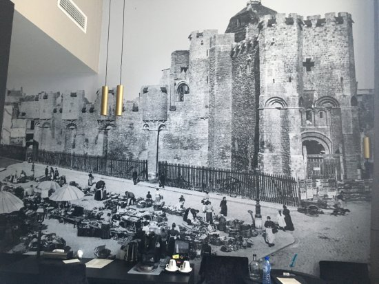 Hotel Harmony: The mural on the wall