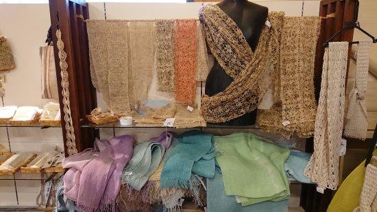 Showa-mura, Ιαπωνία: 販売されている織物