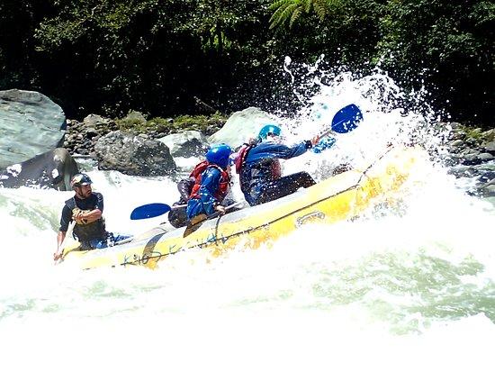 """Rios Ecuador: Poncho rides """"The Bull"""""""
