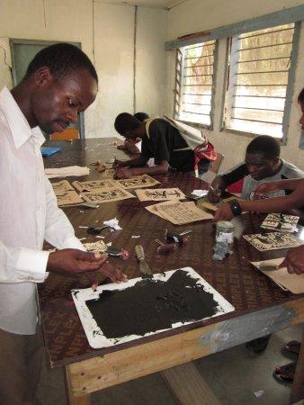Tiverton, UK: Lino printing at Bagamoyo Art College, Tanzania
