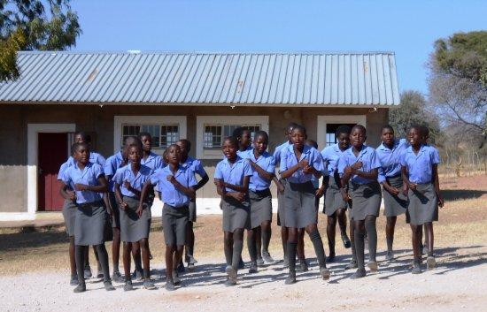 Rundu, Namibië: local school choir