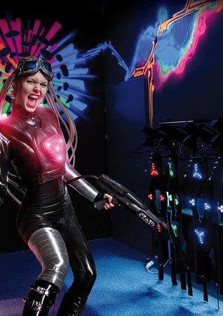 Klosterneuburg, Österreich: Laser Woman