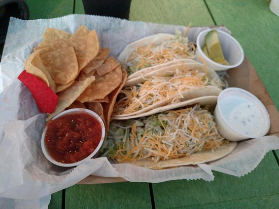 Red Fish Blue Fish: Carne tacos