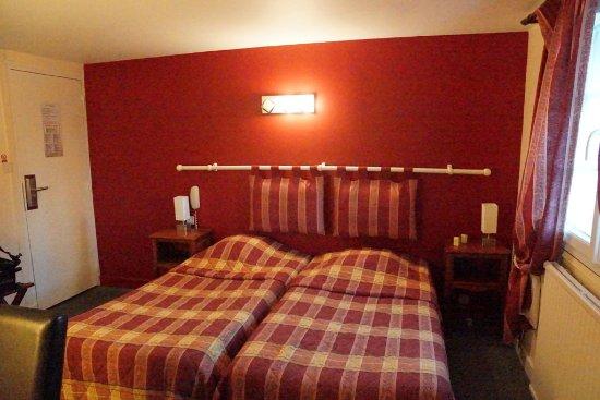 Hotel De La Tour Photo