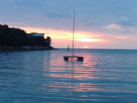 Hotel Pula: Great sunset views nearby!