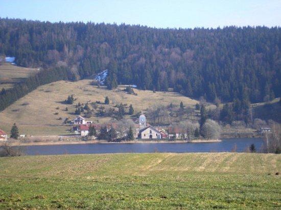 Grande-Rivière, France : Lac