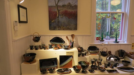 "Woodside Pottery & Gallery Craighurst: This is Hartley Woodside""s pottery"