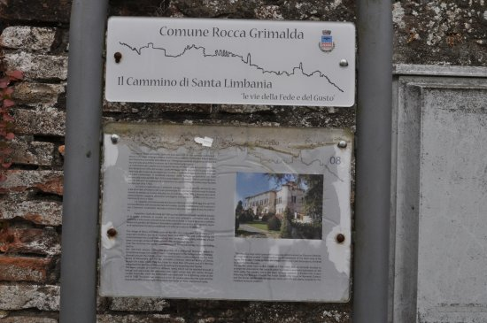 Rocca Grimalda, İtalya: Descriptif en anglais