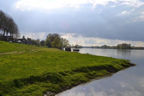 Saint-Dye-sur-Loire, فرنسا: Quai