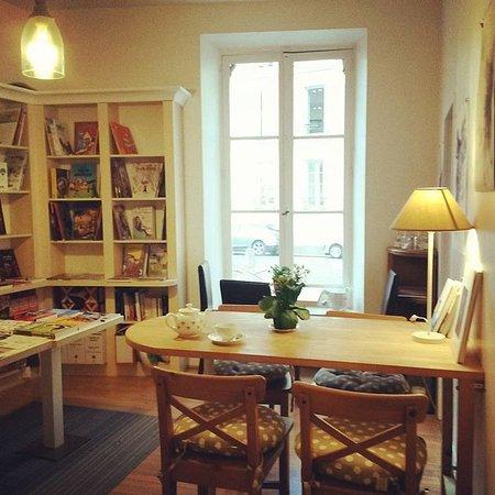 librairie caf la suite versailles restaurant avis num ro de t l phone photos tripadvisor. Black Bedroom Furniture Sets. Home Design Ideas