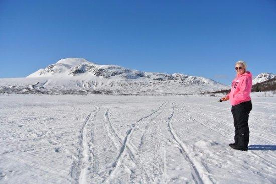 Vilhelmina, Sweden: På vintern finns det goda möjligheter till pimpelfiske. Fiskekort finns att köpa i receptionen.