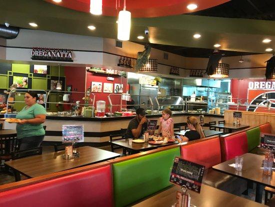 Oreganatta Restaurant: the hot line