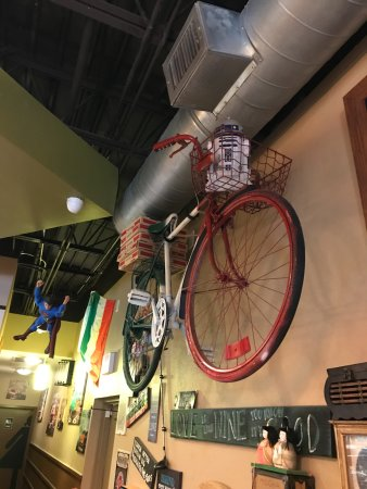 Oreganatta Restaurant: Look up and see the collectibles