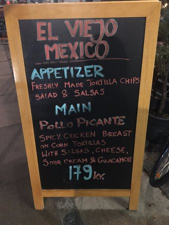 El Viejo Mexico : Picture tells it all. Quality and love for food doesnt exist in this restaurant.