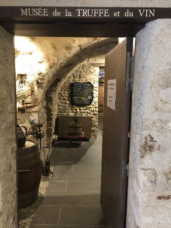 Musée Richerenches, Tempelritter, Wein und Trüff.