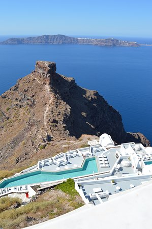 Skaros Rock: Swimming Pool with a view of Skaros and Therasia